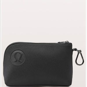 Off The Mat Black Neoprene 2L Pouch Bag